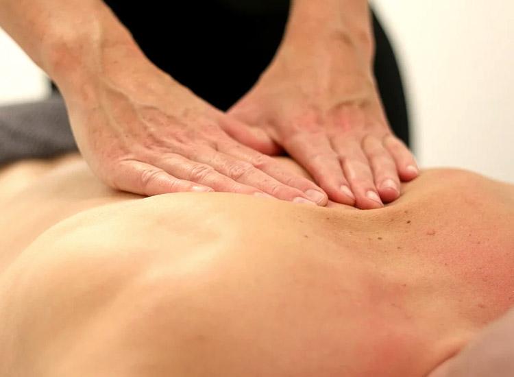 Deep Tissue Massage / Body & Massage Treatment